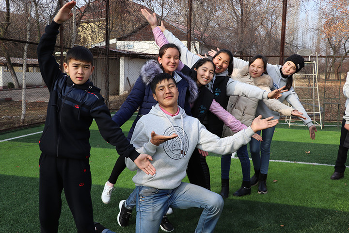 Как подростки решают «взрослые» проблемы?